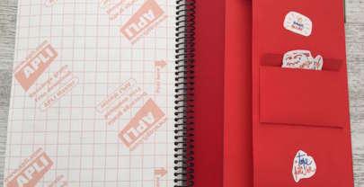 DIY sobre portadocumentos y portapegatinas para el bullet journal de La …