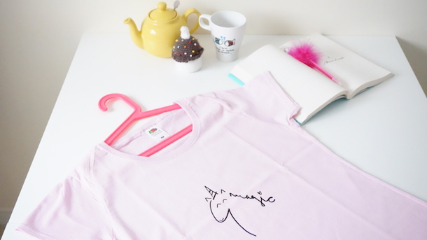 Camiseta personalizada con el unicornio magic
