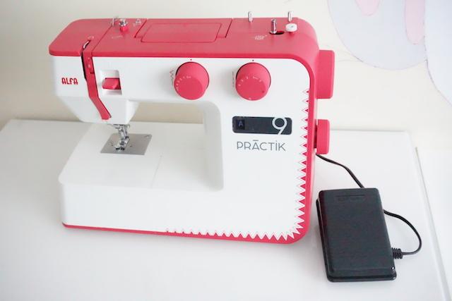 unboxing maquina de coser alfa practik 9 port 01