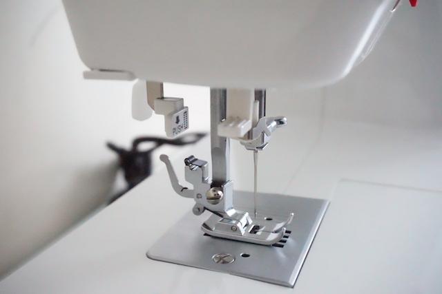 unboxing maquina de coser alfa practik 9 port 05